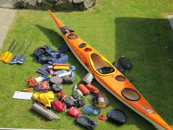 empacar para hacer kayak