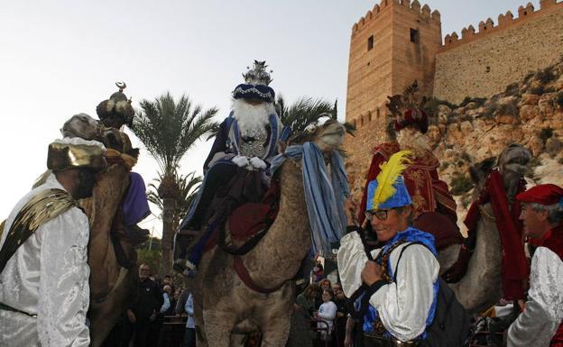 cabalgata de los reyes magos en almeria