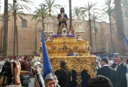 tradiciones de semana santa en almeria